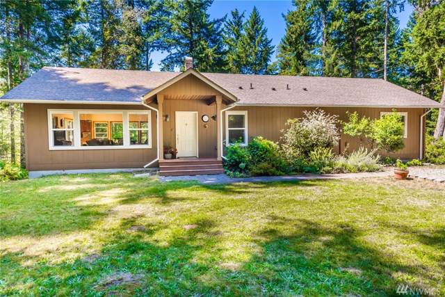 12245 SW 256th St, Vashon, WA 98070 (#1506474) :: Keller Williams Western Realty