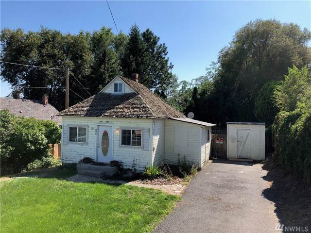 806 2nd Ave, Zillah, WA 98953 (#1506918) :: Center Point Realty LLC