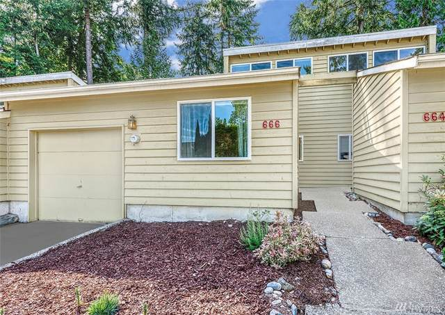 666 156th Ave NE #12, Bellevue, WA 98007 (#1507191) :: Real Estate Solutions Group