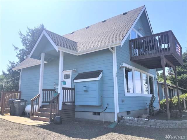 177 Ocean Lake Wy SW, Ocean Shores, WA 98569 (#1507426) :: Kimberly Gartland Group