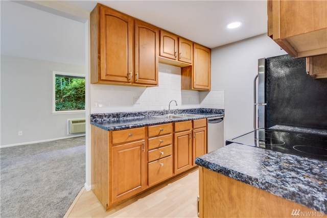 310 S 174th Place E, Burien, WA 98148 (#1507628) :: Keller Williams Realty Greater Seattle