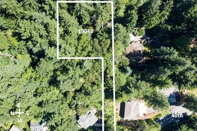 19044 40th Place NE, Lake Forest Park, WA 98155 (#1507742) :: Pickett Street Properties