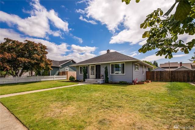 1713 D St, Lynden, WA 98264 (#1507828) :: Ben Kinney Real Estate Team
