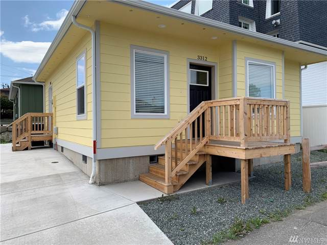 3312 Q Avenue, Anacortes, WA 98221 (#1507981) :: Northwest Home Team Realty, LLC