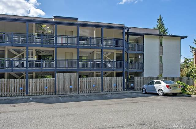 12303 SE 60th St 3B, Bellevue, WA 98006 (#1508266) :: Real Estate Solutions Group