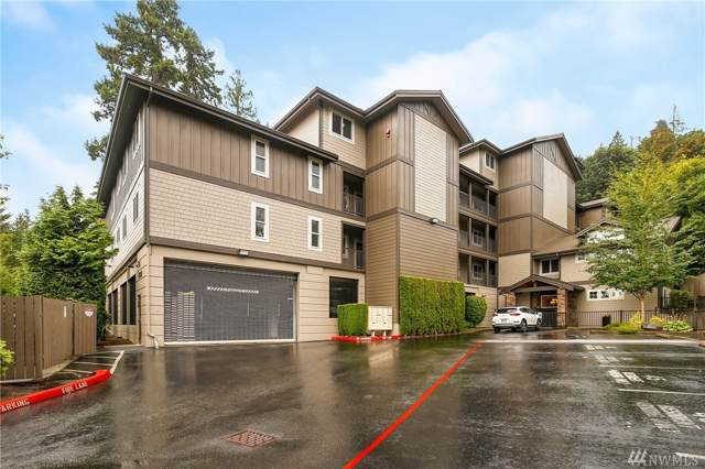 18609 SE Newport Wy #305, Issaquah, WA 98027 (#1508285) :: Lucas Pinto Real Estate Group
