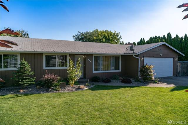 824 11th St NE, East Wenatchee, WA 98802 (#1508288) :: Ben Kinney Real Estate Team