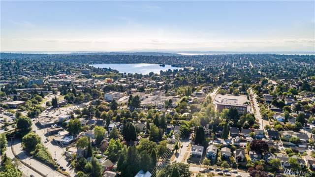 7812 Lake City Wy NE, Seattle, WA 98115 (#1508485) :: Keller Williams Western Realty