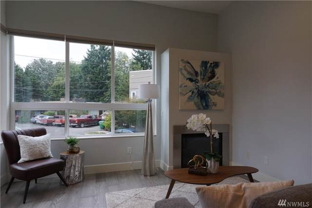 3324 W Government Wy, Seattle, WA 98199 (#1509032) :: Better Homes and Gardens Real Estate McKenzie Group