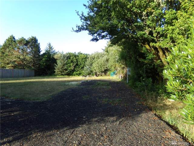 553 Point Brown Ave SW, Ocean Shores, WA 98569 (#1509106) :: Kimberly Gartland Group