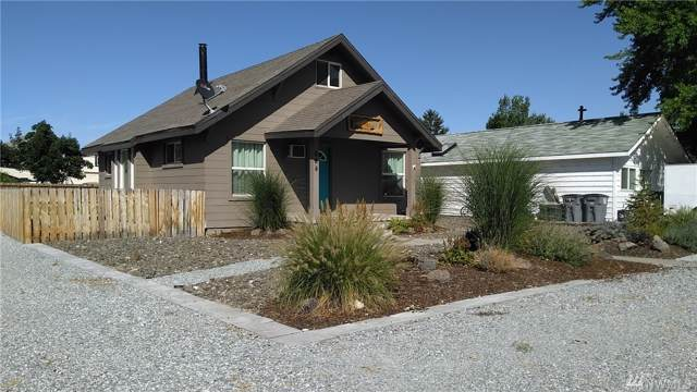 624 Riverside Dr, Pateros, WA 98846 (#1509190) :: NW Home Experts