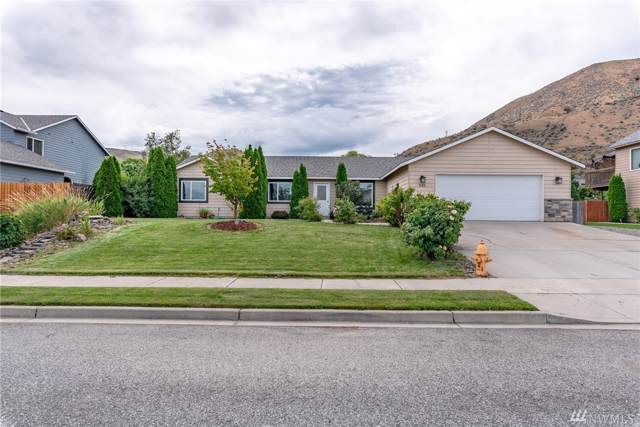 545 Chrisand Lane, Wenatchee, WA 98801 (#1509234) :: Ben Kinney Real Estate Team