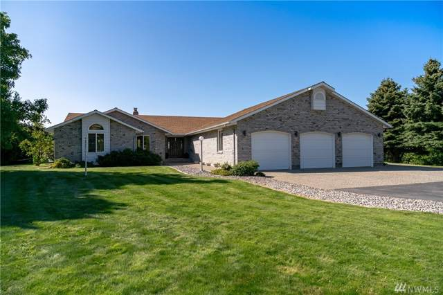 4095 W Eaglerock Dr, Wenatchee, WA 98801 (#1509307) :: Ben Kinney Real Estate Team