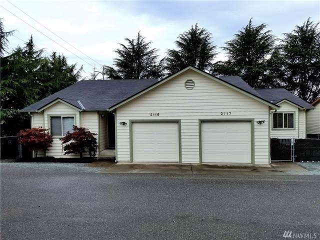 2117 21st St, Anacortes, WA 98221 (#1509960) :: Northwest Home Team Realty, LLC
