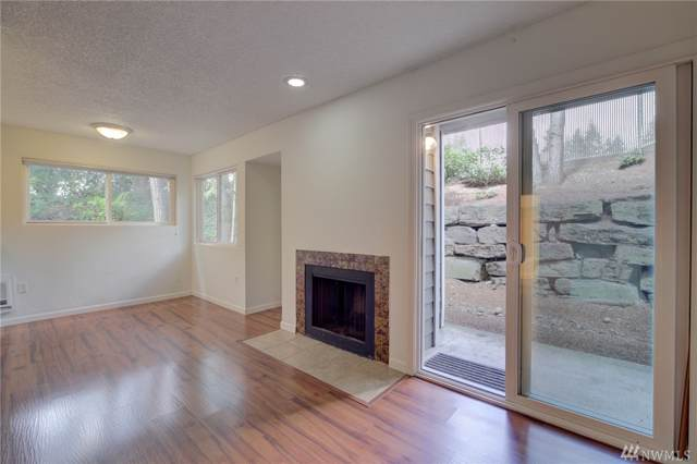 3305 127th Place SE B11, Bellevue, WA 98005 (#1510058) :: Record Real Estate