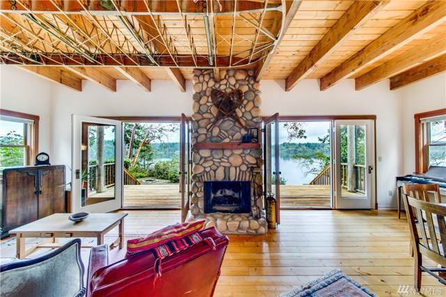 23 E Robbins Rd, Grapeview, WA 98546 (#1511597) :: NW Home Experts