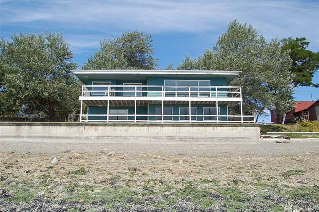 1979 Penn Cove Rd, Oak Harbor, WA 98277 (#1513889) :: Real Estate Solutions Group