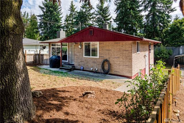 18808 5th Ave NE, Shoreline, WA 98155 (#1514024) :: Liv Real Estate Group