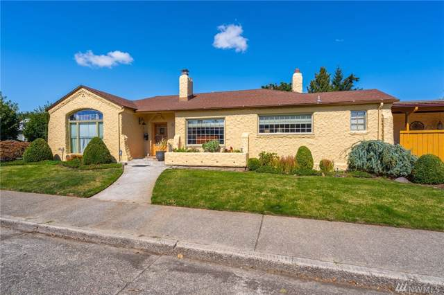 417 W Hanson St, Centralia, WA 98531 (#1515414) :: The Kendra Todd Group at Keller Williams