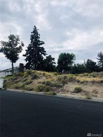 225 W Linden Ave, Moses Lake, WA 98837 (MLS #1515533) :: Nick McLean Real Estate Group