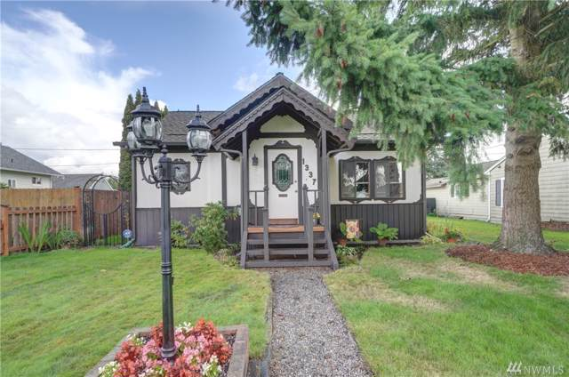 1337 Pioneer St, Enumclaw, WA 98022 (#1516185) :: Ben Kinney Real Estate Team