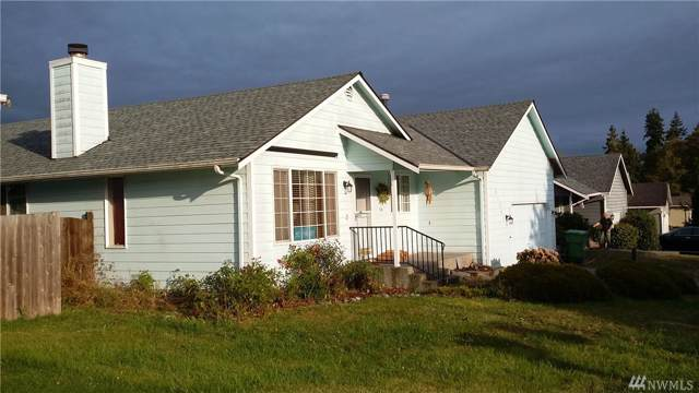 27345 Country Place NW, Stanwood, WA 98292 (#1516284) :: Real Estate Solutions Group