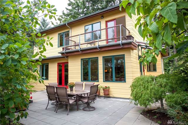 591 Wood Ave SW, Bainbridge Island, WA 98110 (#1516335) :: Better Homes and Gardens Real Estate McKenzie Group