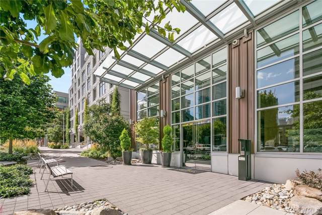 588 Bell St 2401S, Seattle, WA 98121 (#1517017) :: The Kendra Todd Group at Keller Williams