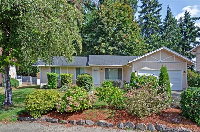 15820 131st Place SE, Renton, WA 98058 (#1517536) :: Costello Team