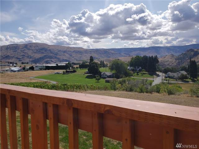 550 S Clifford St Ct, Chelan, WA 98816 (#1518527) :: Canterwood Real Estate Team