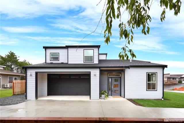 2092 Bakerscape Ct, Ferndale, WA 98248 (#1518628) :: McAuley Homes