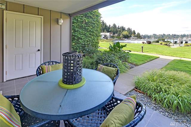 363 101st Ave SE 102-E, Bellevue, WA 98004 (#1518901) :: Ben Kinney Real Estate Team
