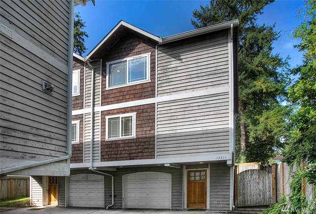 12311 Roosevelt Wy NE B, Seattle, WA 98125 (#1519055) :: Real Estate Solutions Group