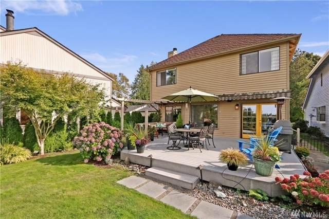 2444 SE 8th Place, Renton, WA 98055 (#1519092) :: McAuley Homes
