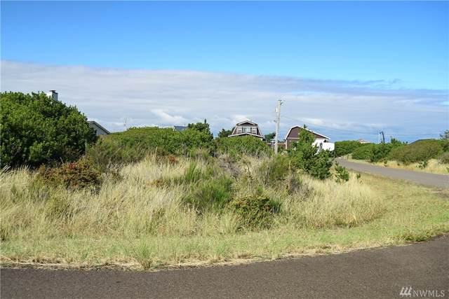 1260 Channel Ave SW, Ocean Shores, WA 98569 (#1519110) :: McAuley Homes