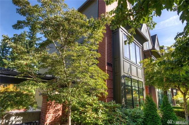 10575 NE 12th Place, Bellevue, WA 98004 (#1519154) :: Pickett Street Properties