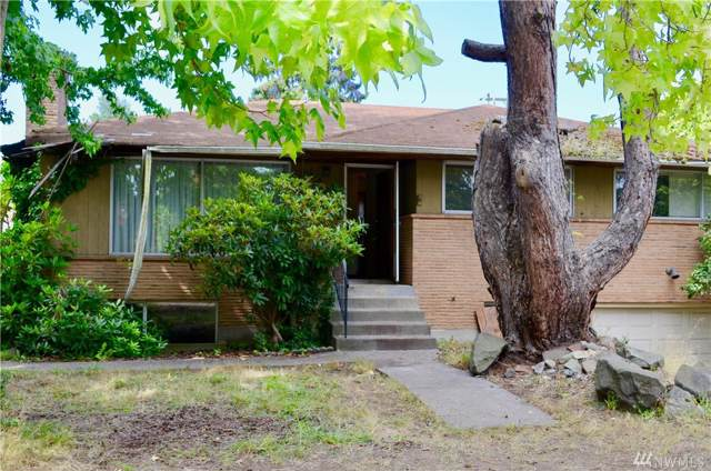 12755 Phinney Ave N, Seattle, WA 98133 (#1519312) :: Beach & Blvd Real Estate Group