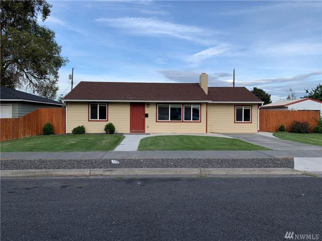 1447 W Fern Dr, Moses Lake, WA 98837 (MLS #1519831) :: Nick McLean Real Estate Group