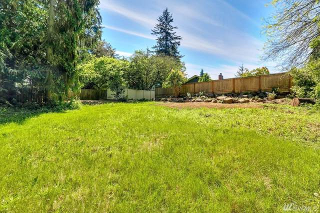 15712 Greenwood Ave N, Shoreline, WA 98133 (#1520584) :: Ben Kinney Real Estate Team