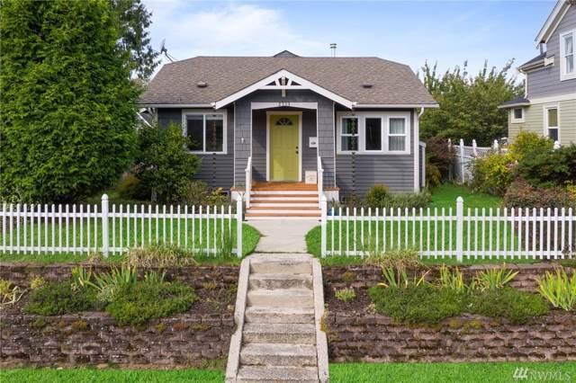 2713 44th Ave SW, Seattle, WA 98116 (#1521878) :: Alchemy Real Estate
