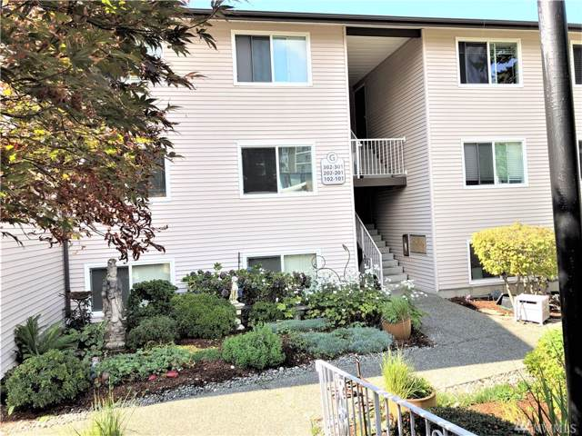 9024 25th Ave SW G202, Seattle, WA 98106 (#1522413) :: Liv Real Estate Group