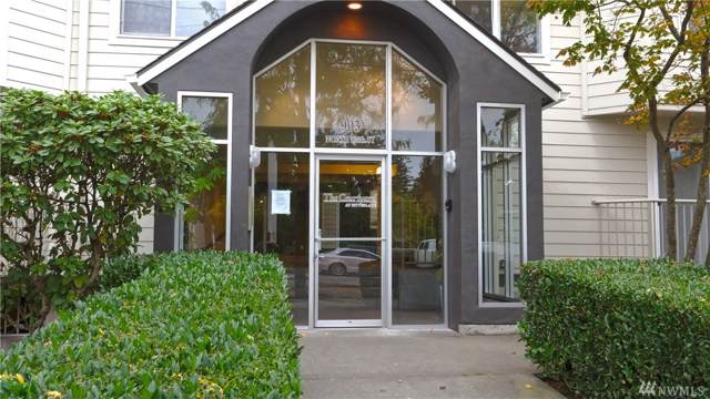 903 N 130th St #313, Seattle, WA 98133 (#1523049) :: The Kendra Todd Group at Keller Williams