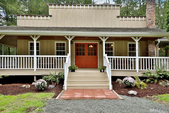 4108 Deer Lake Rd, Clinton, WA 98236 (#1524128) :: Crutcher Dennis - My Puget Sound Homes