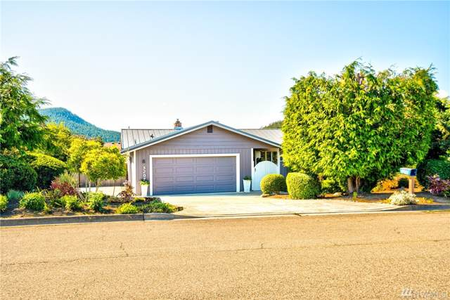 5207 Kingsway, Anacortes, WA 98221 (#1526535) :: Canterwood Real Estate Team
