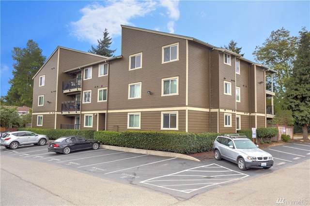 939 N 101st St #304, Seattle, WA 98133 (MLS #1527913) :: Lucido Global Portland Vancouver