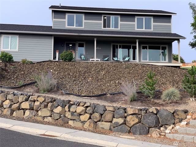 108-S 10th St, Selah, WA 98942 (#1527931) :: Alchemy Real Estate