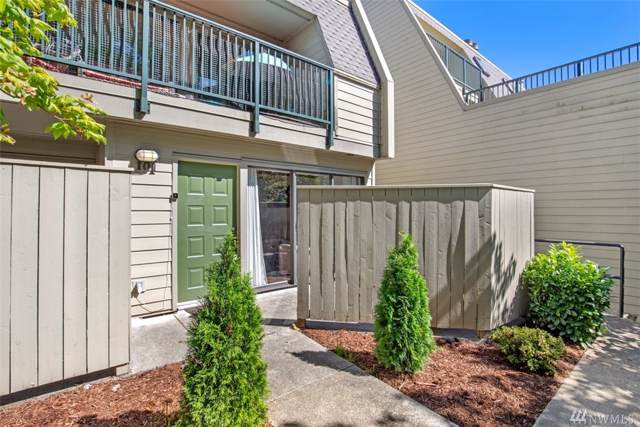 8839 166th Ave NE C-101, Redmond, WA 98052 (#1528382) :: Real Estate Solutions Group