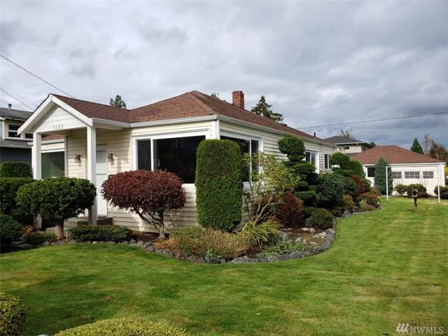 1102 17th St, Anacortes, WA 98221 (#1528472) :: Canterwood Real Estate Team