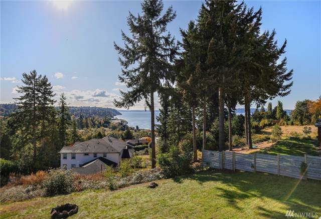 17318 Sylvester Rd SW, Burien, WA 98166 (#1529271) :: Ben Kinney Real Estate Team