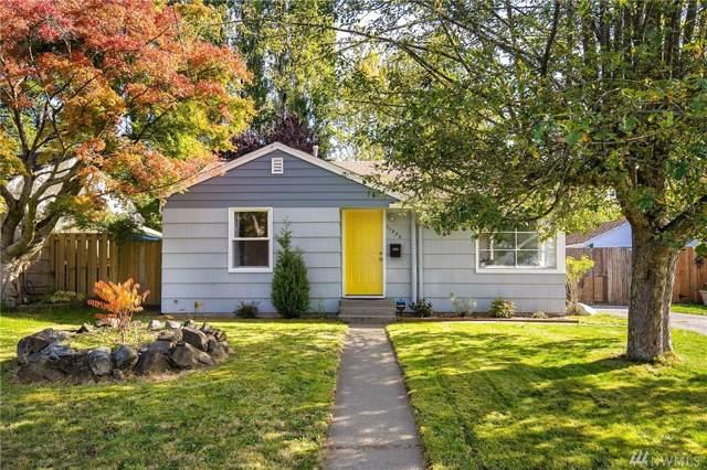 11332 12th Ave NE, Seattle, WA 98125 (#1529675) :: Ben Kinney Real Estate Team
